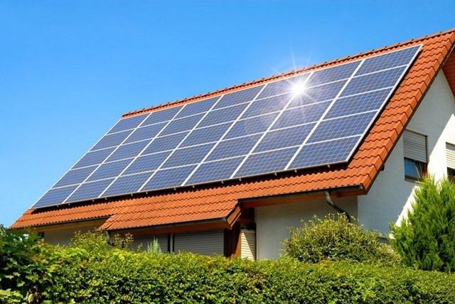 Hệ thống điện năng lượng mặt trời có thể lắp đặt ở hầu hết các địa hình, chỉ cần nơi đó có ánh nắng