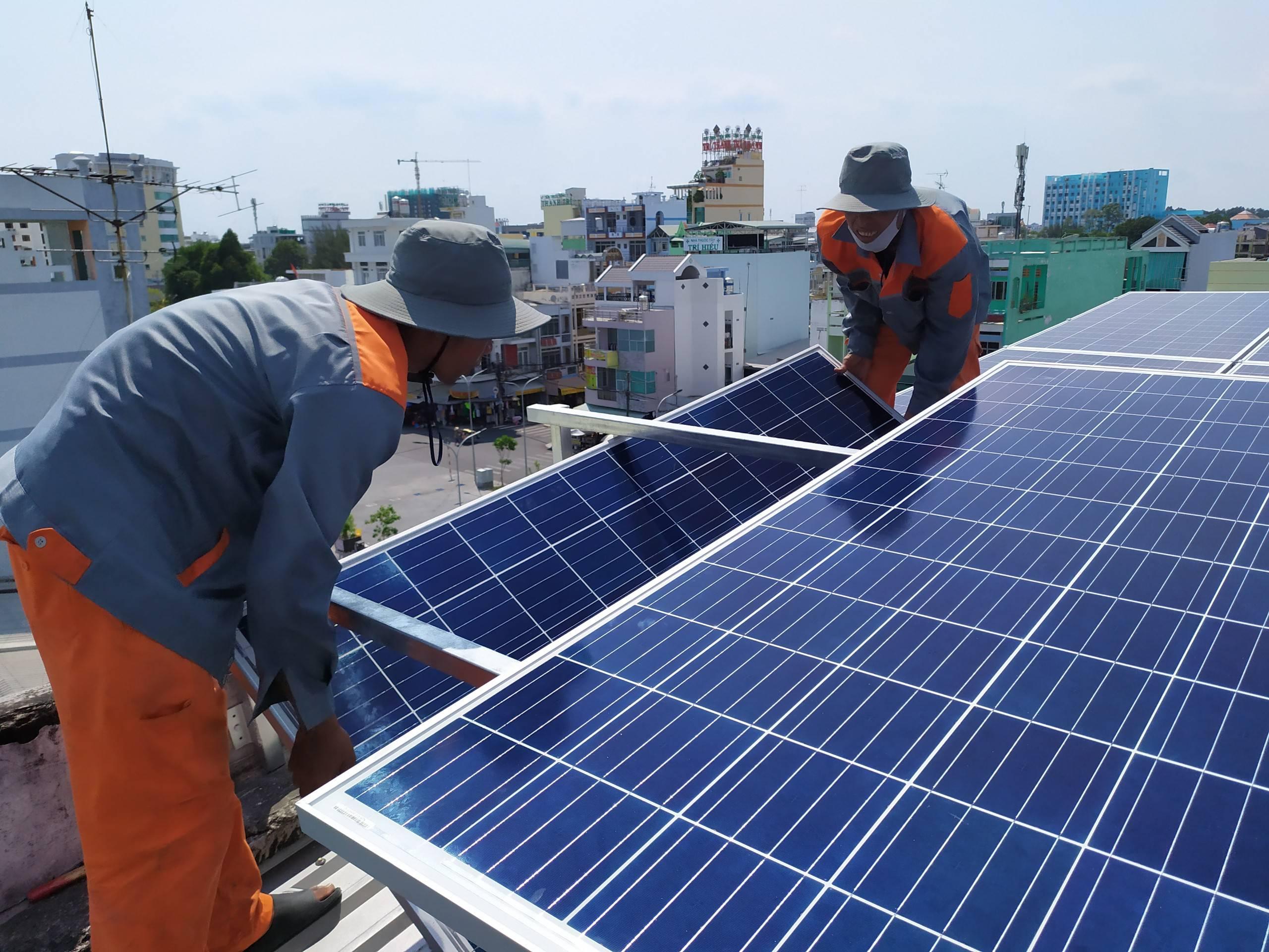 lắp lưới điện mặt trời